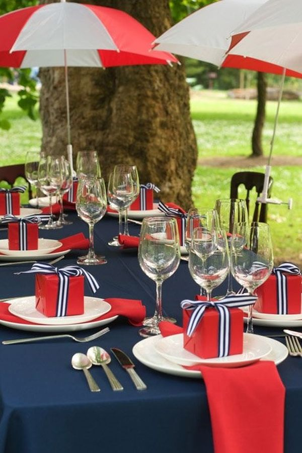 blue-red-table-decor